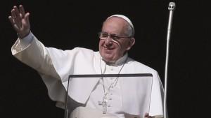 """El Papa elogió a las empresas recuperadas y calificó al dinero como """"estiércol del diablo"""""""
