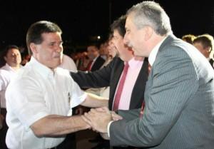 Closs y el presidente de Paraguay Horacio Cartes asistieron a la Serenata por los 400 años de fundación de Encarnación