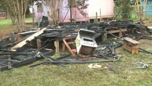 """En Eldorado: """"Mi marido estaba borracho, se enojó y prendió fuego mi casa"""""""