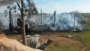 Un incendio destruyó una vivienda en el barrio El Porvenir de Posadas