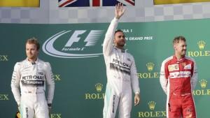 Lewis Hamilton se consagró con su Mercedes en la primera carrera del año en Melbourne
