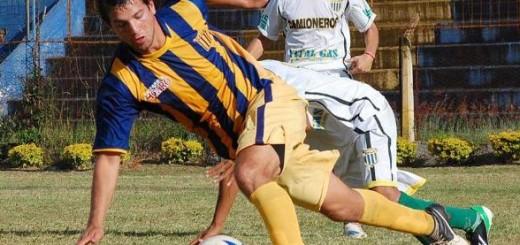 Algo es algo: Mitre y Crucero juegan desde las 15.30 en Rocamora la primera final de la Liga Posadeña
