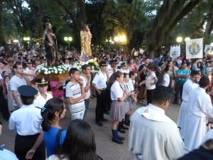 Posadas rindió homenaje a su patrono con un festival artístico, la tradicional procesión y la misa en el anfiteatro