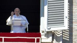 """Papa Francisco: """"Un mundo en el que las mujeres son marginadas es un mundo estéril"""""""