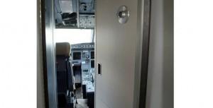 Tragedia aérea en los Alpes: ¿cómo funciona la puerta de la cabina de un avión?