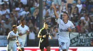 Quilmes derrotó a Vélez y le quitó el invicto en el torneo
