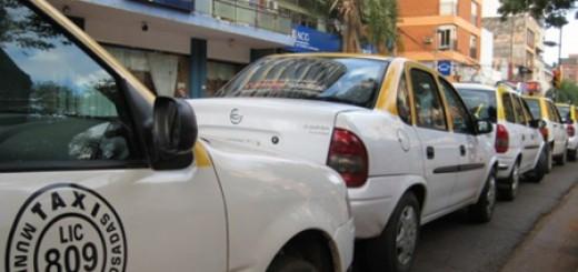 Taxistas piden una tarifa diferenciada por la noche