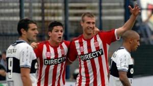 Con un gol del misionero Schunke, Estudiantes le ganó a Gimnasia 3 a 1 el clásico