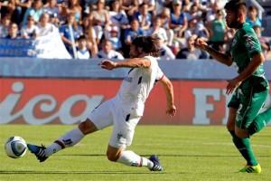 Vélez y Sarmiento, a mano en un duelo parejo que se jugó en Liniers