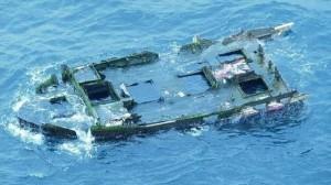 """Un barco destruido por el tsunami de Japón en 2011 llegó ahora a EEUU con """"pasajeros"""""""