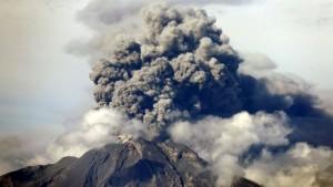 Nueva erupción del volcán Calbuco: alerta roja en Chile y preocupación en el sur argentino