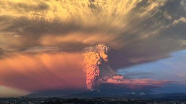 Mientras se espera una tercera erupción del volcán chileno las cenizas dieron tregua a los habitantes del Sur