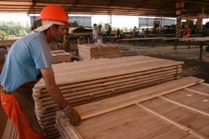 Madereros en alerta porque empresarios no cumplen paritarias