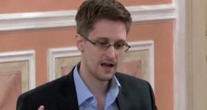 El ex agente de la CIA Edward Snowden, enseña a crear la contraseña perfecta