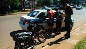 Una persecución policial terminó con motociclistas detenidos, en Posadas