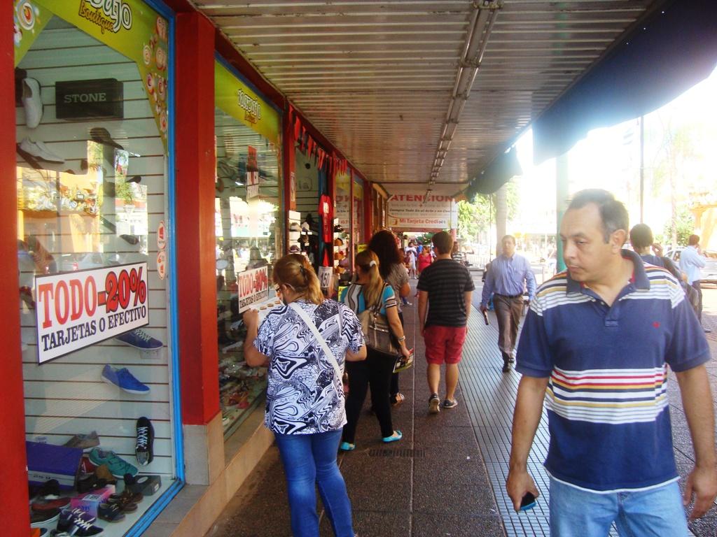 Black Friday: Con descuentos de hasta un 50 por ciento, esperan el boom de ventas esta tarde y mañana en Posadas