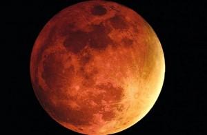 """Eclipse lunar """"de sangre"""" y el más corto del siglo se verá mañana sábado a la madrugada"""