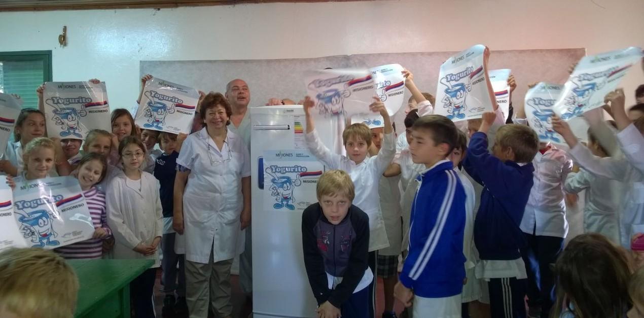 """Entregaron equipamiento a escuelas para conservar el """"Yogurito"""""""