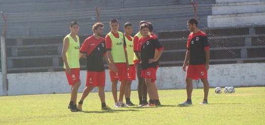 """Guaraní: """"Chaucha"""" lo saca a Kopp y lo pone otra vez al """"Pelado"""" Sagarzazu para el partido en Puerto Madryn"""