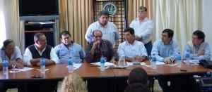 Mercantiles y comerciantes denuncian hostigamiento de Camioneros