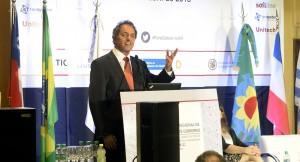 Scioli transmitió tranquilidad a los empresarios para realización de proyectos tecnológicos