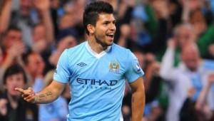 Agüero hizo dos goles, pero el City perdió con el Manchester United
