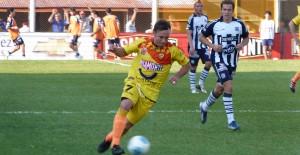 Una mala para Crucero: Diego Torres se rompió los ligamentos y tendría para 6 meses afuera de las canchas
