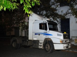 Córdoba: demoraron a una pareja misionera que encerró a sus hijos en un camión y se fue a un casino