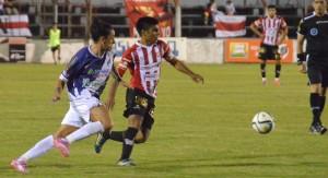 Sin merecerlo, Guaraní empató ayer 1 a 1 con Instituto de Córdoba en Villa Sarita