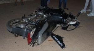 Candelaria: un herido grave tras colisionar una camioneta y una moto