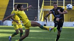 En un deslucido partido, Olimpo empató con Defensa en Bahía