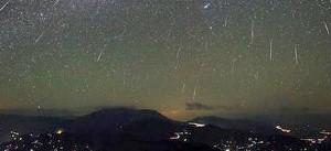 Una lluvia de meteoritos iluminará el cielo esta noche y la NASA transmitirá en vivo