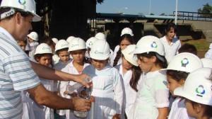 Samsa sigue enseñando su servicio para las Feria de Ciencias de los chicos