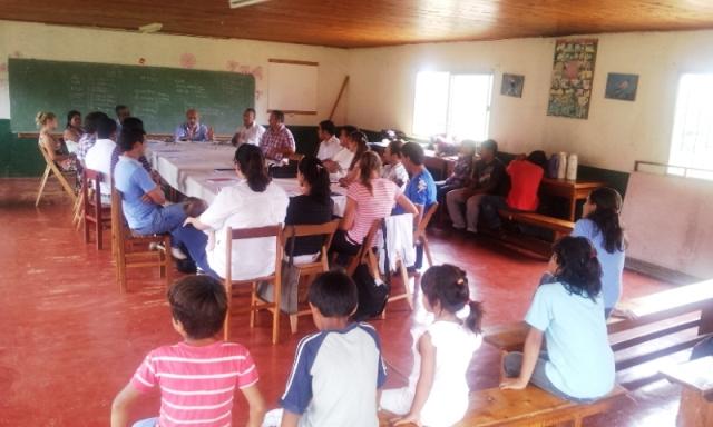 Más de cien guaraníes están al borde de quedarse sin escuela por presión de un sindicato foráneo