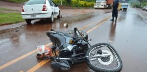 En Alba Posse un motociclista chocó contra un auto y está grave