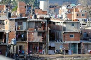 Ejecutan con más de 30 balazos a cuatro ciudadanos paraguayos en un auto frente a la villa 1-11-14