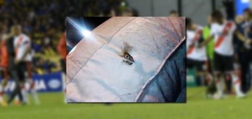 Según la pericia, el gas pimienta fue lanzado desde el campo de juego