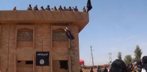 El Ejército Islámico asesinó a pedradas a un hombre que sobrevivió al ser arrojado de un edificio