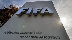 Escándalo en la FIFA: 14 imputados por corrupción, entre ellos 3 argentinos