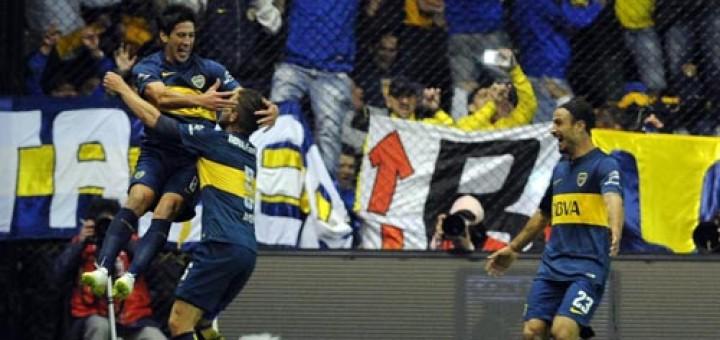 Con una ráfaga de goles casi al final del partido, Boca derrotó a River 2 a 0 en la Bombonera