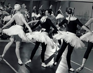 """""""Sé Cultura"""" muestra el trabajo detrás de El Lago de los Cisnes, obra que se repone este fin de semana en el Teatro Lírico"""