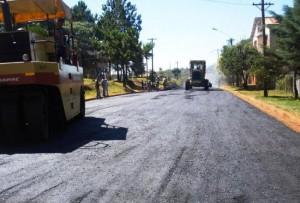 Vialidad Provincial avanza con obras en varios frentes y una millonaria inversión