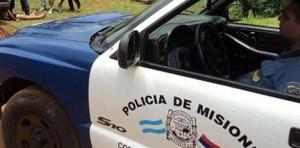 Policías asistieron a una familia tras desmoronarse el muro perimetral de su hogar