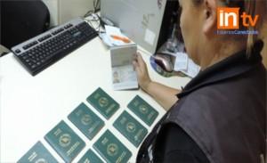 AFIP Iguazú detectó pasaportes falsos de Bangladesh que una mujer quiso ingresar al país escondidos en su cintura