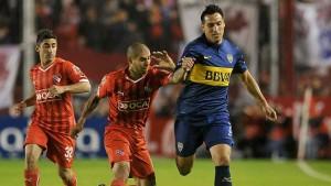 Boca rescató un empate ante Independiente y se afirma en lo más alto