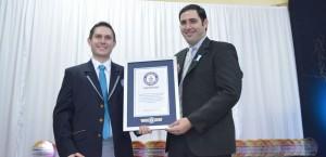 En la entrega del premio Guinnes el hospital de Alem recibió un millón de pesos en equipamiento