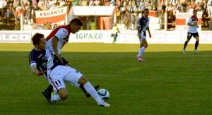 Guaraní y Chacarita empataron 2 a 2 en un entretenido partido en Villa Sarita