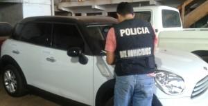 """Secuestraron lujoso vehículo cerca de la empresa Tipoka que sería """"mellizo"""" de un rodado de Mar del Plata"""