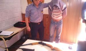 Oberá: un hombre fue detenido por amenazar a su familia y vecinos en Villa Bonita