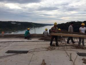 Dobrusín visitó la obra del Hito Tres Fronteras en Iguazú y Garuhapé